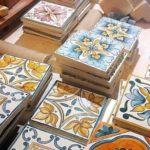 Майолика: что это такое, русская майоликовая посуда и керамика, изразцы